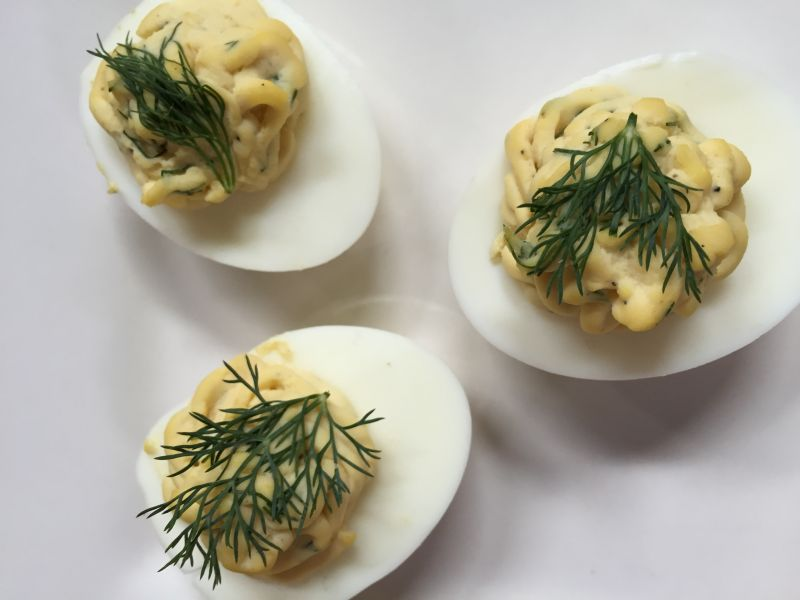 Deviled Eggs with Dill Filling