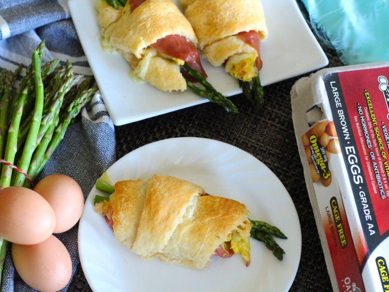 Egg Asparagus Ham Croissant Wraps